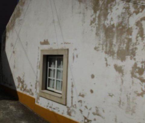 Casa r/chao Bombarral licitacao base 3318 euros 176