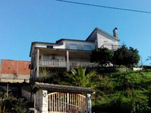 Habitação com 3 pisos Licitação base 52836 euros 2