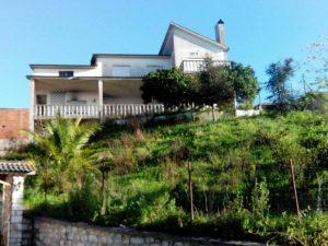 Habitação com 3 pisos Licitação base 52836 euros 4