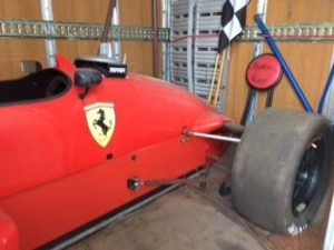 Carro tipo formula 1 sem motor base de Licitação 861 euros 2