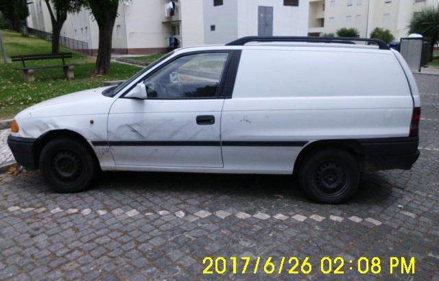 Opel Astra Licitação 258 euros 48