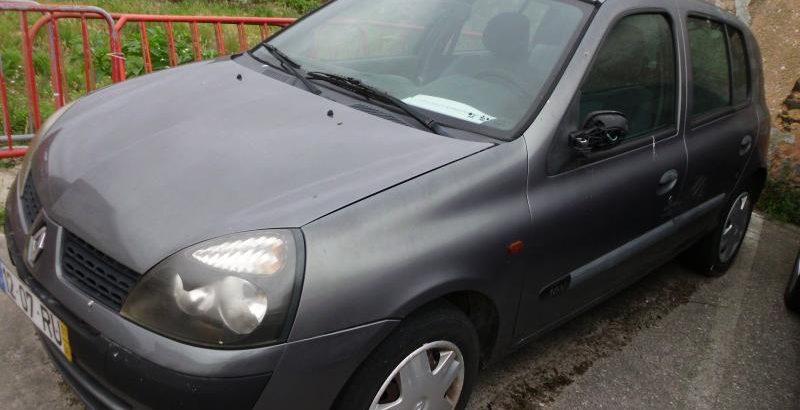 Renault Clio Base de Licitação 430 euros 1
