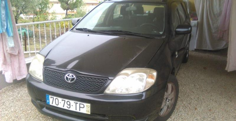 Toyota Corolla Penhorado Licite por 2800 euros 1