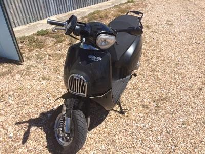 Daelim125cc Penhorado de 2010 Licitação 215 euros 1