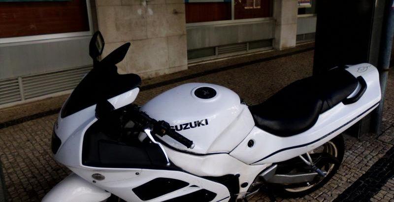 Suzuki 600cc Penhorada Licite por 0 euros à melhor oferta 1