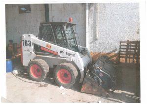 Mini Escavadora BOB CAT 763 Penhorada Licite por 2625 euros 2