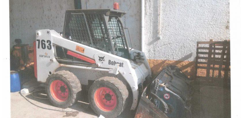 Mini Escavadora BOB CAT 763 Penhorada Licite por 2625 euros 1