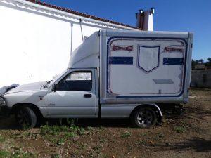 Toyota Hyluz com caixa térmica Penhorado licite por 525 euros 3
