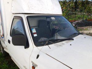 Toyota Hyluz com caixa térmica Penhorado licite por 525 euros 2