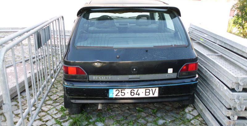 Renault Clio Licite por 35 euros 1