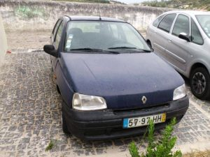 Renault Clio Penhorado Licite por 250 euros 3