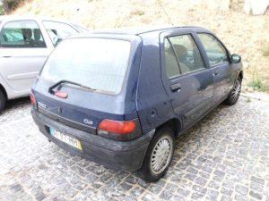 Renault Clio Penhorado Licite por 250 euros 2