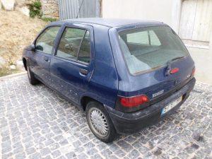 Renault Clio Penhorado Licite por 250 euros 4