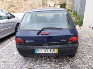 Renault Clio Penhorado Licite por 250 euros 5