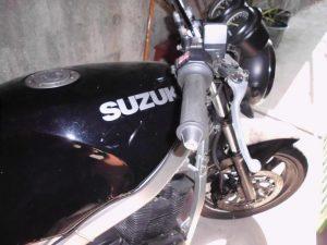 Suzuki GS 500 Penhorada Licite por 1500 euros 2