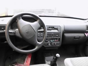 Peugeot 106 Penhorado Licite por 106 euros 3