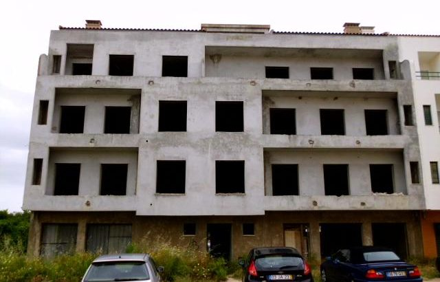 Imóvel Penhorado em Algoz Licite por 15491 euros 76