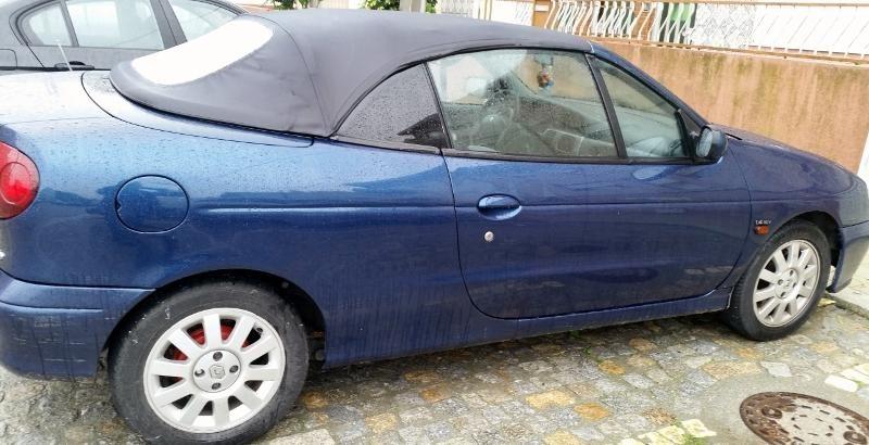 Renault Megane Cabrio Penhorado Licite por 2250 euros 1