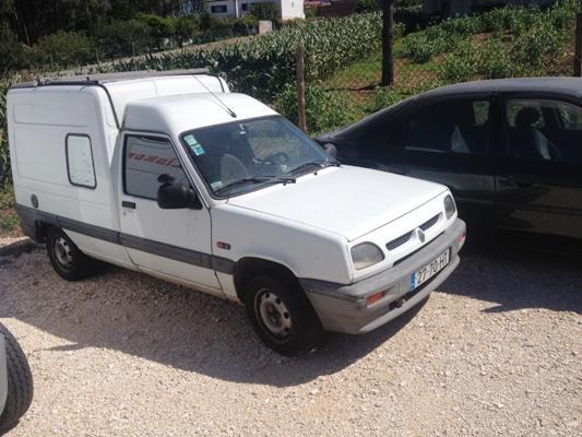 Renault Express Penhorada Licite por 200 euros 1