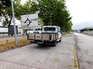 Iveco de Mercadorias e 9 lugares Licite por 878 euros 2