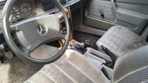 Mercedes 190 Penhorado Licite por 350 euros 5