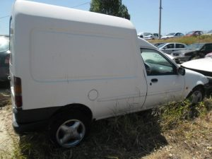 Ford Courier Penhorada Licite por 1050 euros 2