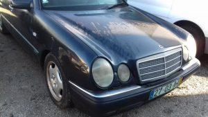 Mercedes E280 Penhorado Licite por 700 euros 5