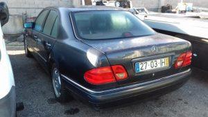 Mercedes E280 Penhorado Licite por 700 euros 3
