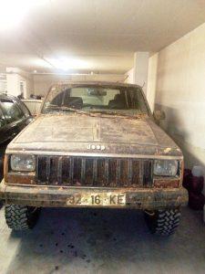 Jeep Cherokee Licite por 700 euros 3