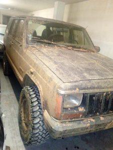 Jeep Cherokee Licite por 700 euros 5