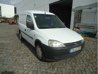 Opel Combo Diesel Licite por 559 euros 11