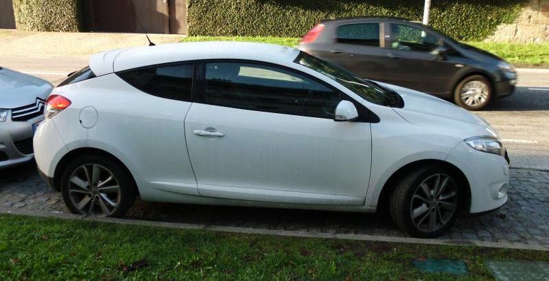Renault Megane de 2012 Licite por 4900 euros 1