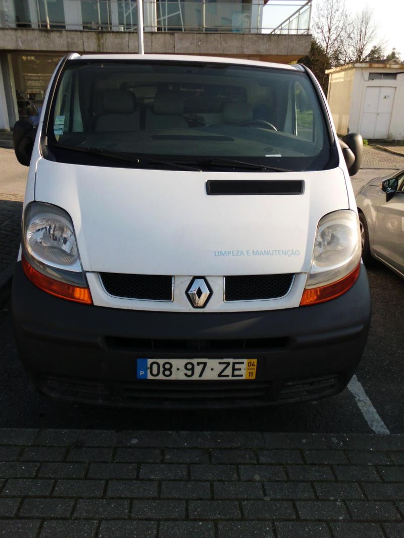 Renault Trafic Penhorada Licite por 700 euros 5