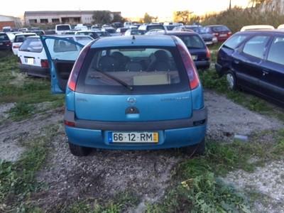 Opel Corsa a gasóleo Penhorado Licite por 375 euros 3