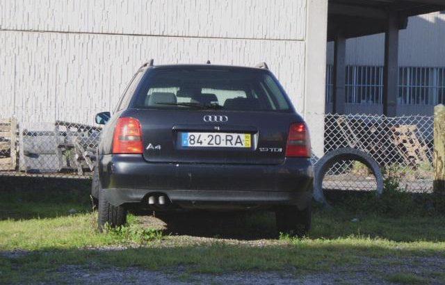 Audi A4 1.9TDI Licite por 200 euros 218