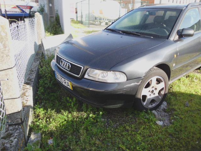 Audi A4 1.9TDI Licite por 200 euros 3