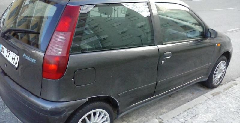 Fiat Punto TD Penhorado licite por 210 euros 1