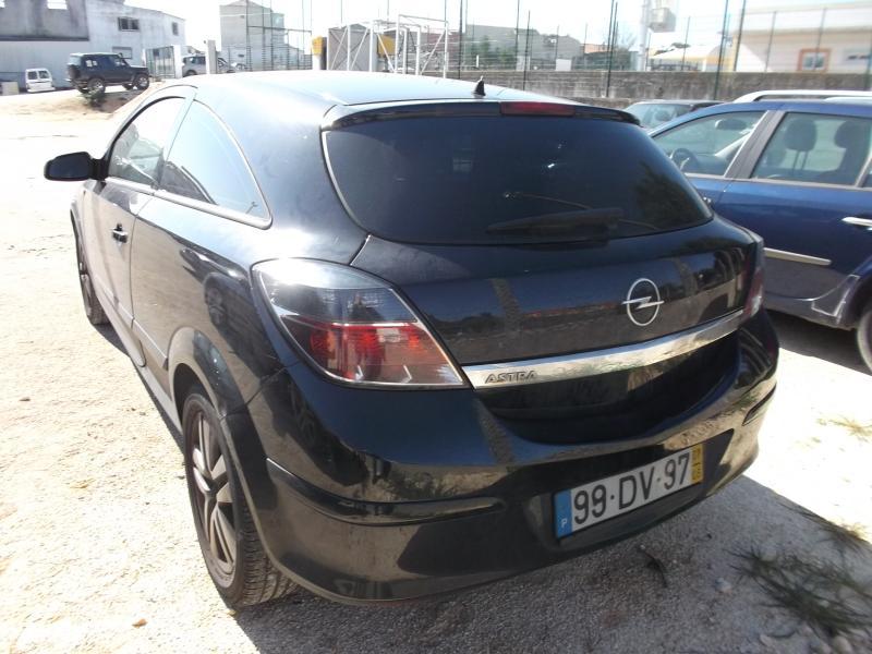 Opel Astra GTC Licite por 3500 euros 2