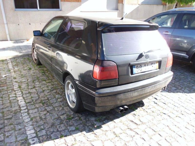 VW GOLF Penhorado Licite por 140 euros 4