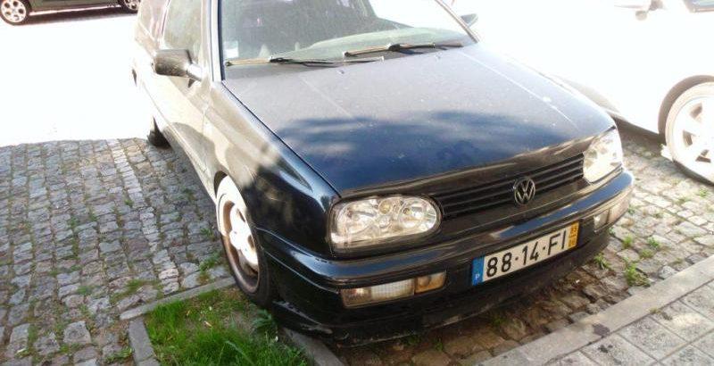 VW GOLF Penhorado Licite por 140 euros 1
