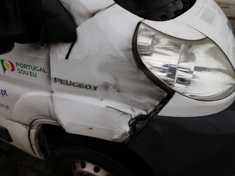 Peugeot Boxer Penhorada Licite por 1793€ 3