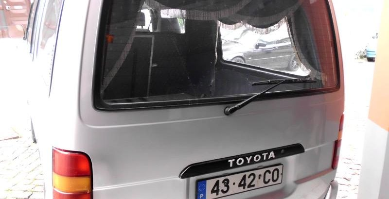Toyota Hiace 6 Lug Licite pela Melhor Oferta 1