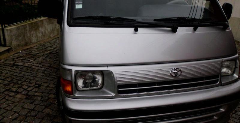 Toyota Hiace Licite pela Melhor OFERTA 210