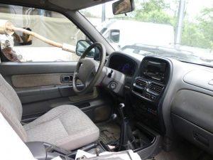 Nissan Cabine Dupla Penhorada Licite por 430 euros 5