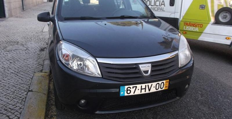 Dacia SD Penhorado Licite por 1500 euros 1