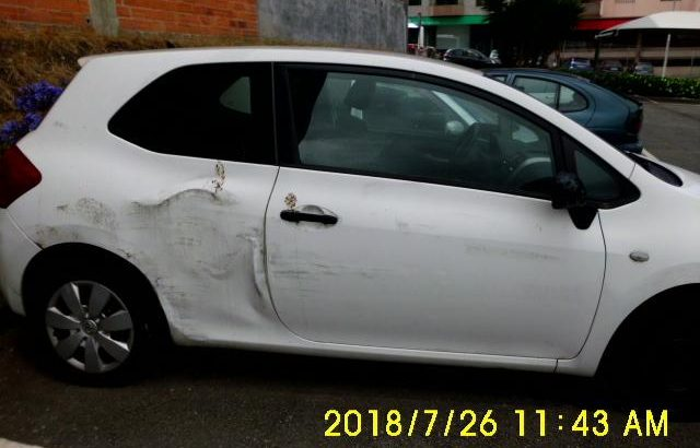 Toyota Auris a gasóleo de 2007 Licite por 350 euros 116
