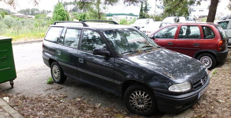 Opel Astra Penhorado Licite por 250 euros 1