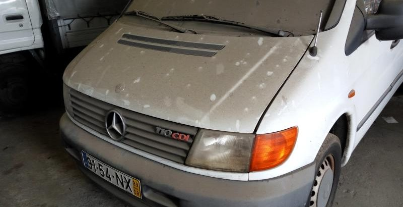 Mercedes Vito Penhorada Licite por 344 euros 52