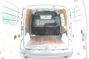 Renault Kangoo penhorada de 2009 Licite por 1291 euros 3