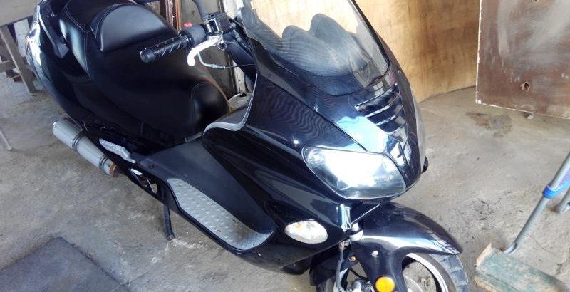 Motociclo Jonway com 125cc de 2011 Licite por 210 euros 1